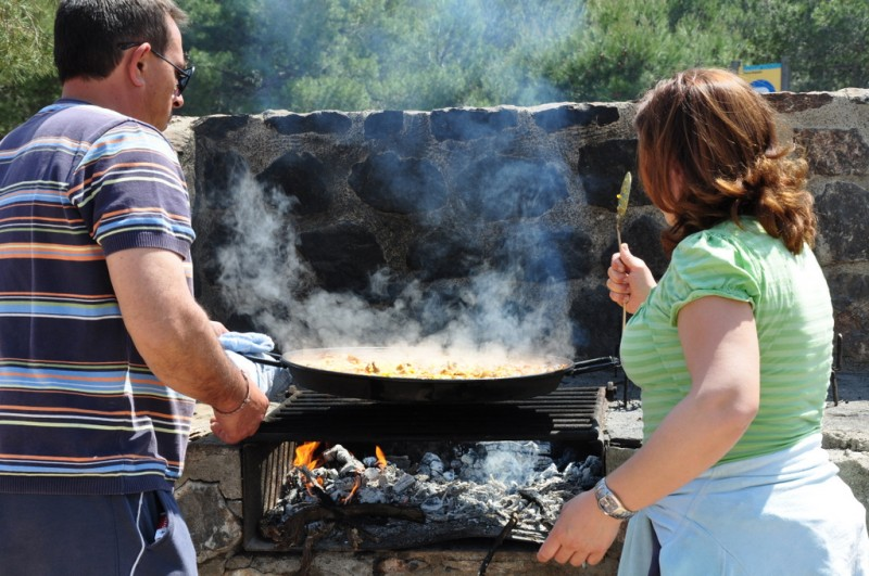 Use of picnic and BBQ points in the Sierra Espuña