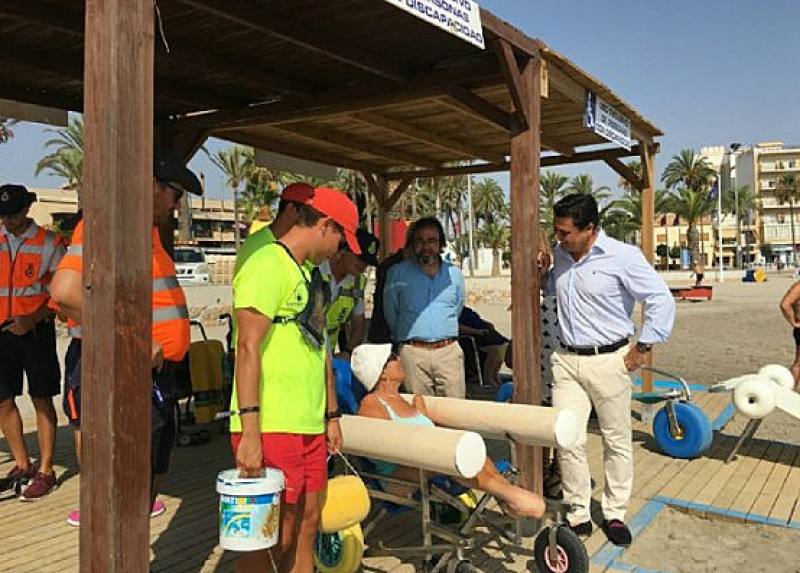 <span style='color:#780948'>ARCHIVED</span> - San Javier leads the way in Costa Cálida disabled bathing services