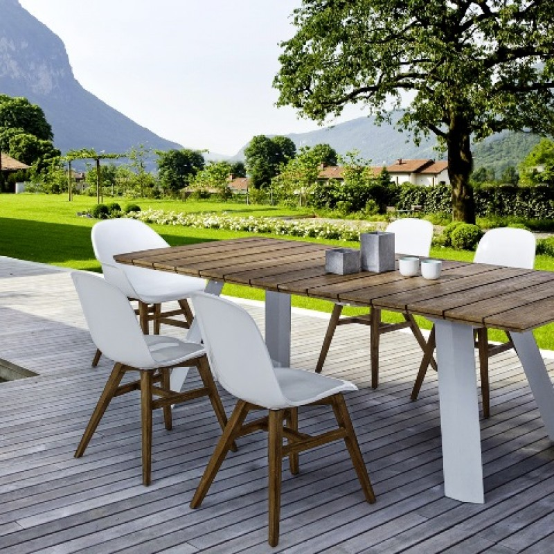 Naura Garden Centre in Mazarrón, all the very latest in garden furniture and barbecues. Plus a full range of garden plants and all garden materials.