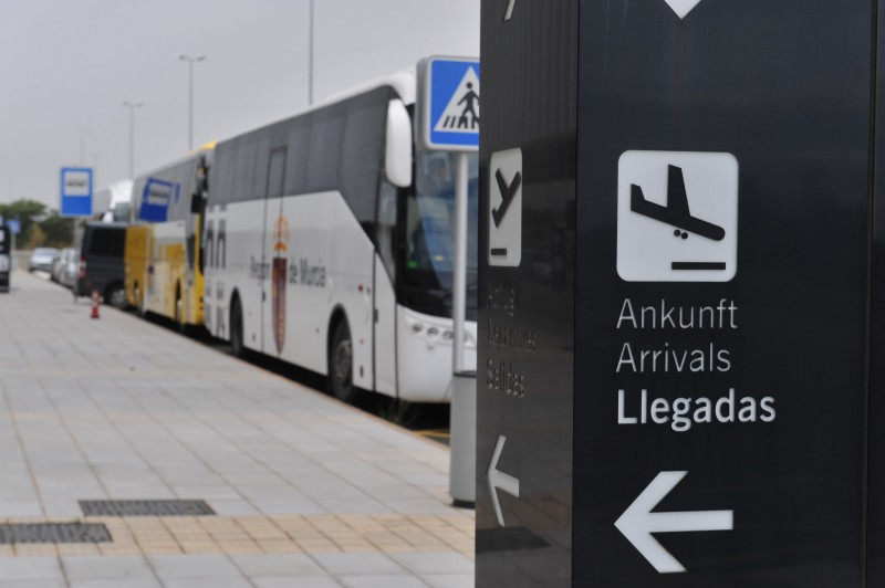 <span style='color:#780948'>ARCHIVED</span> - Corvera airport-La Manga bus route to begin before Easter