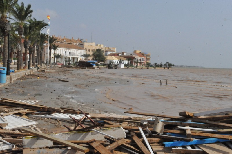 Video Murcia Gota Fria 2019. Waste, plastics and agricultural debris washed into the Mar Menor.