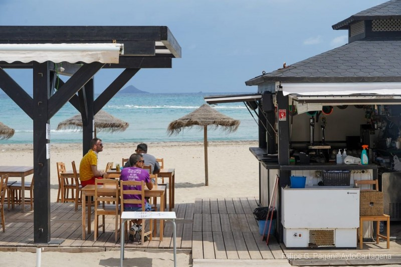 <span style='color:#780948'>ARCHIVED</span> - 13 beach bars approved in Cartagena in time for the summer season