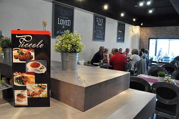 Piccolo restaurant, vast international menu in Camposol