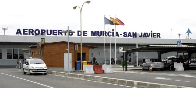 <span style='color:#780948'>ARCHIVED</span> - San Javier council unite to defend San Javier airport