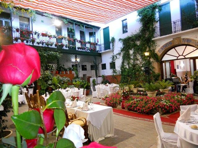 The Hotel Encarnacion located right on the beach at Los Alcázares is the perfect spot for a wedding