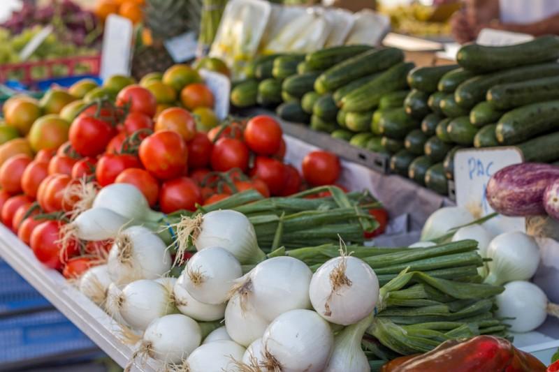 Weekly street market in Puerto Lumbreras